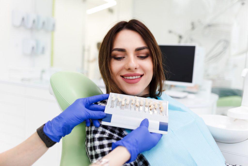 teeth whitening or veneers which is best for you